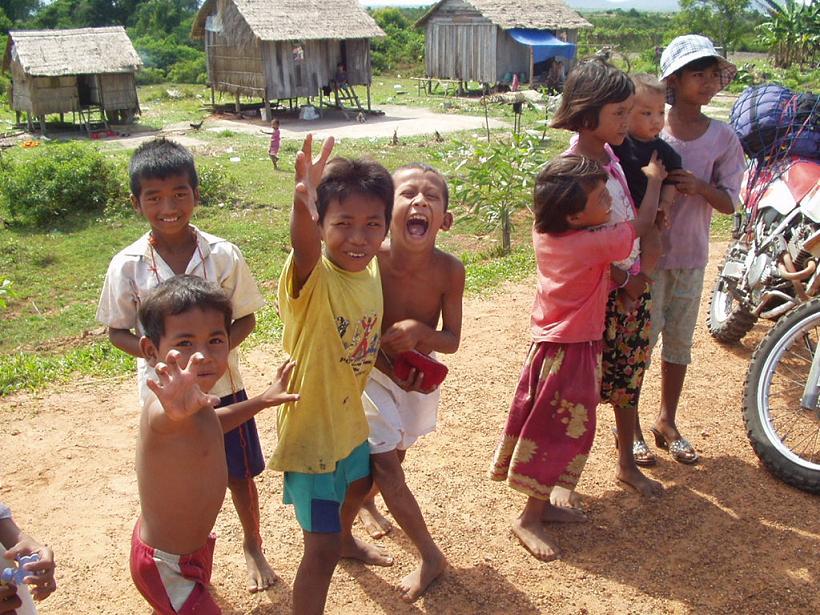 カンボジアの子供達