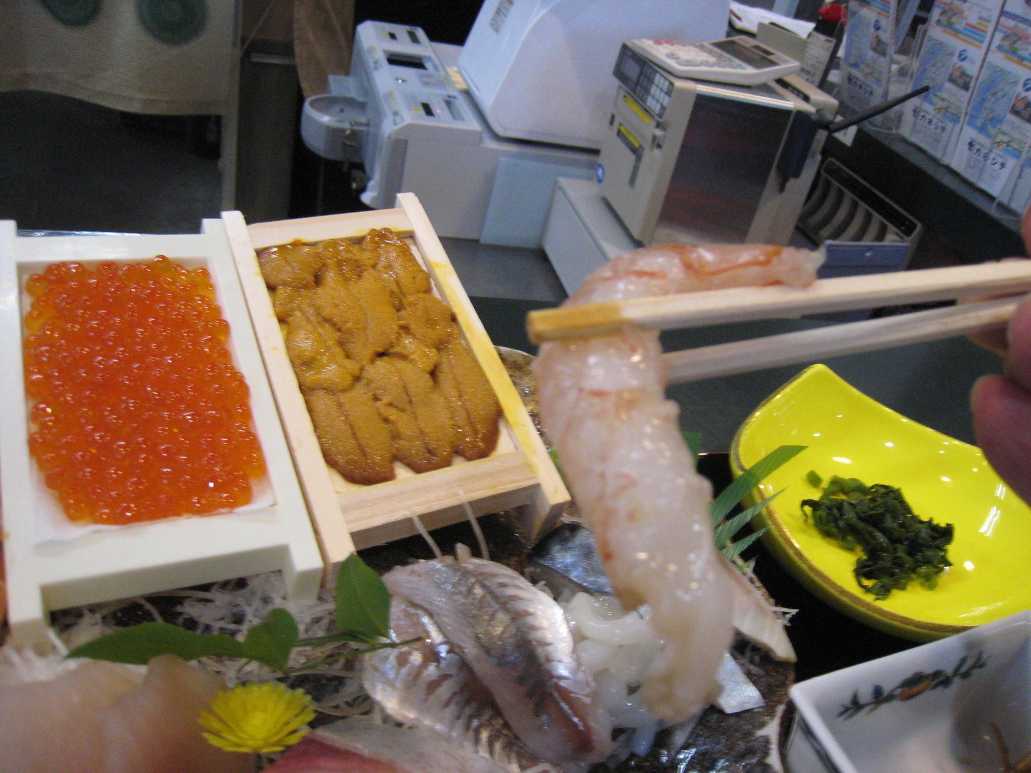 鴨川漁港近辺の定食屋で遅めのブランチ お魚達が新鮮で美味しいです♪