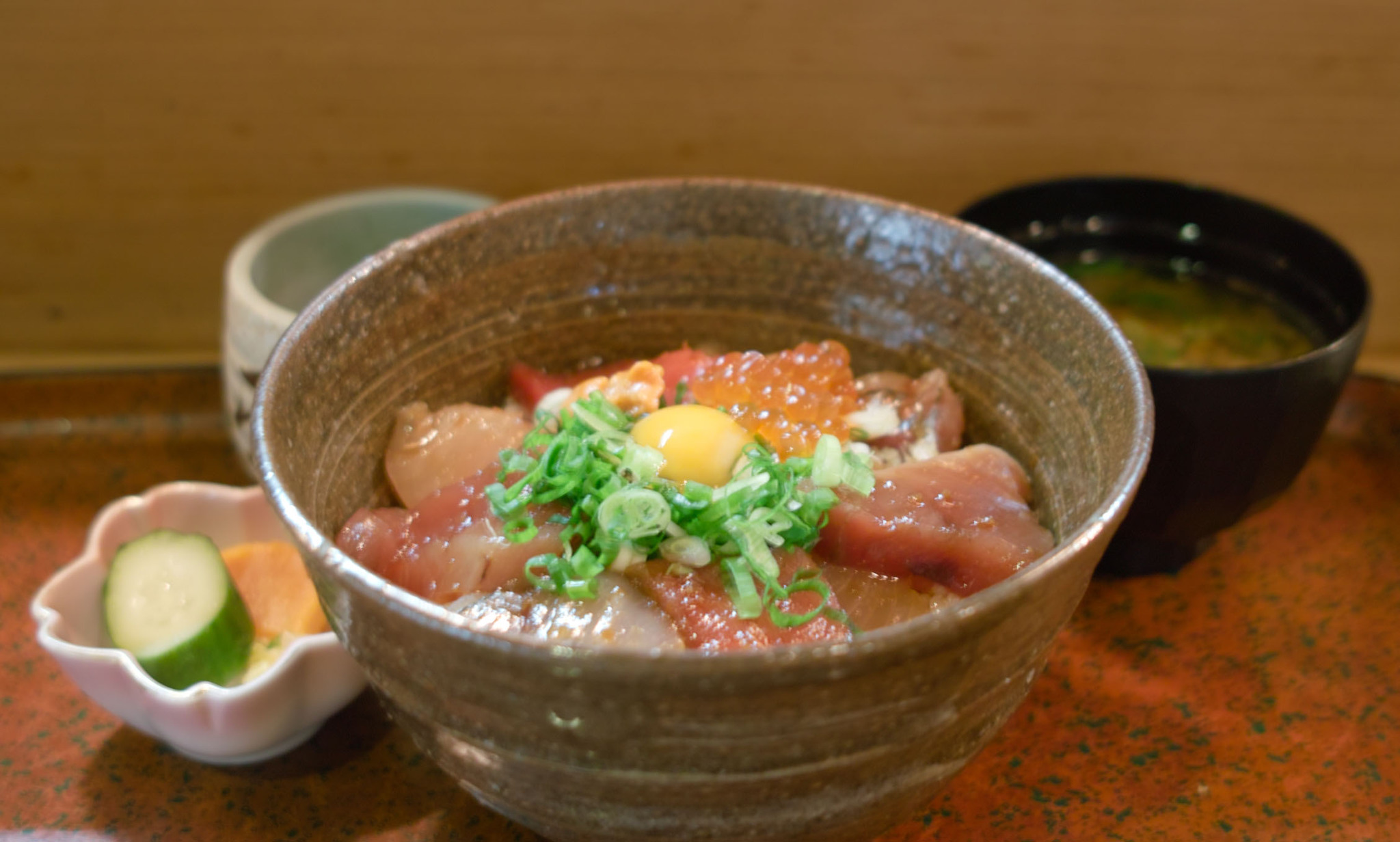 """尾鷲 魚処 豆狸さんの""""海鮮ユッケ丼"""""""