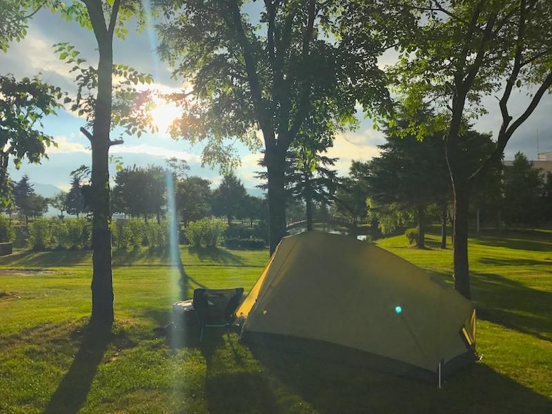 キャンプ場にて晴れ間が登場