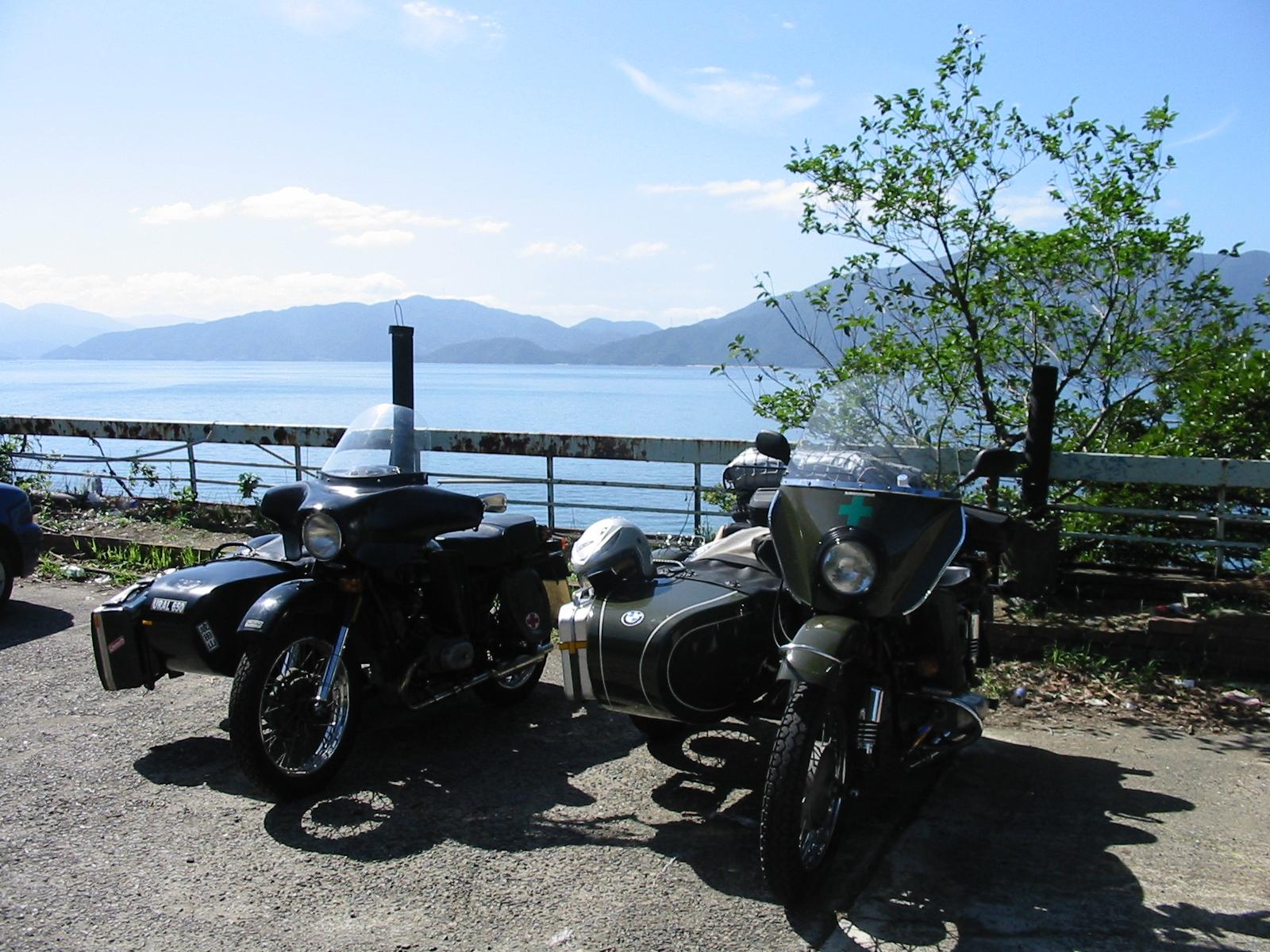 日本海を背に二人旅!