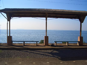 JR予讃線の下灘駅。ポスターにもなりました